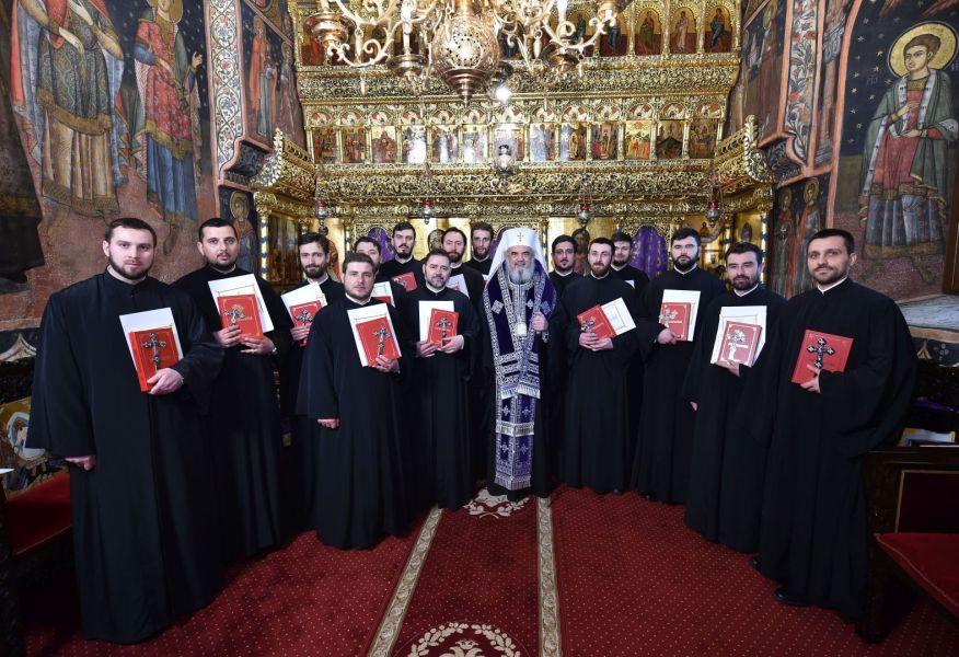 Patriarhul-Daniel-către-noiii-duhovnici-Spovedania-este-medicină-duhovnicească-5