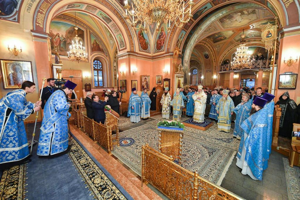 7Slujire-la-Mănăstirea-Adormirea-Maicii-Domnului-din-Rusia-3