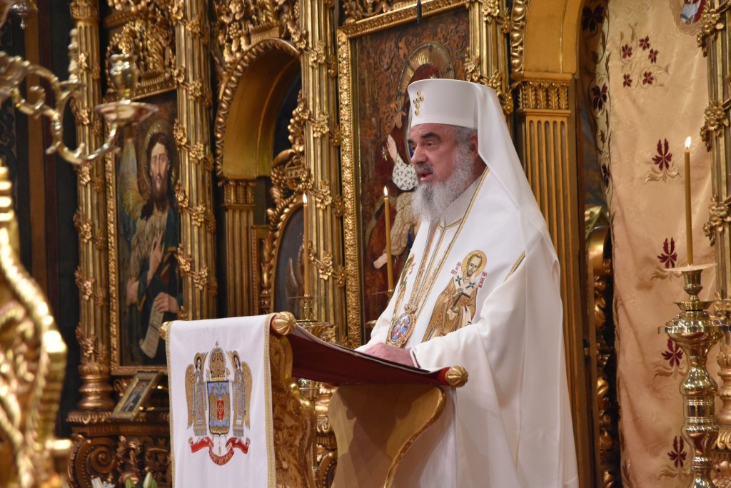 Părintele-Patriarh-Daniel-Locul-cel-mai-potrivit-pentru-încheierea-anului-vechi-și-întâmpinarea-anului-nou-este-Biserica-lui-Hristos-VIDEO-11